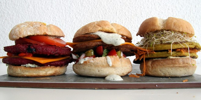 Hamburguesa vegana de trigo sarraceno y remolacha