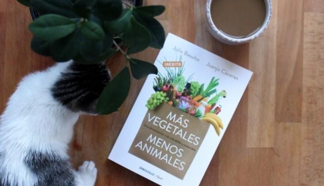 Lectura recomendada: Más Vegetales Menos Animales de J. Basulto y J. Cáceres